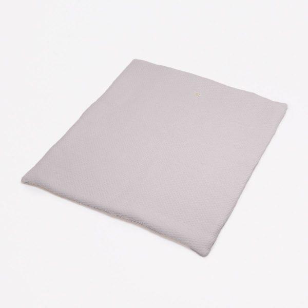 fair and cute boxkleed light grey soft dots