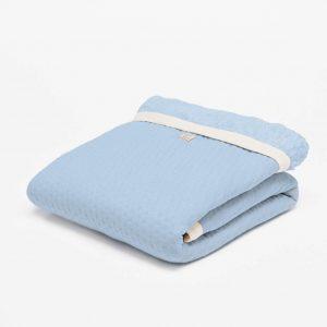fair and cute wiegdeken winter light blue